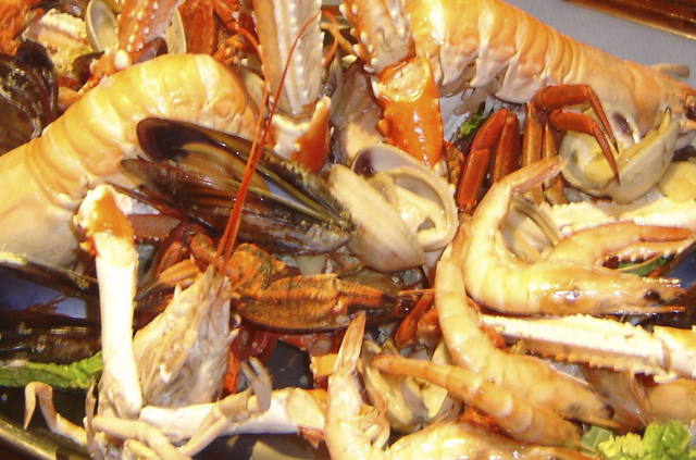 SEAFOOD COMBINATIONS
